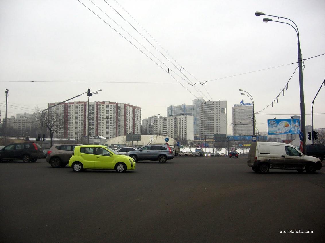 Проспект Вернадского / улица Лобачевского