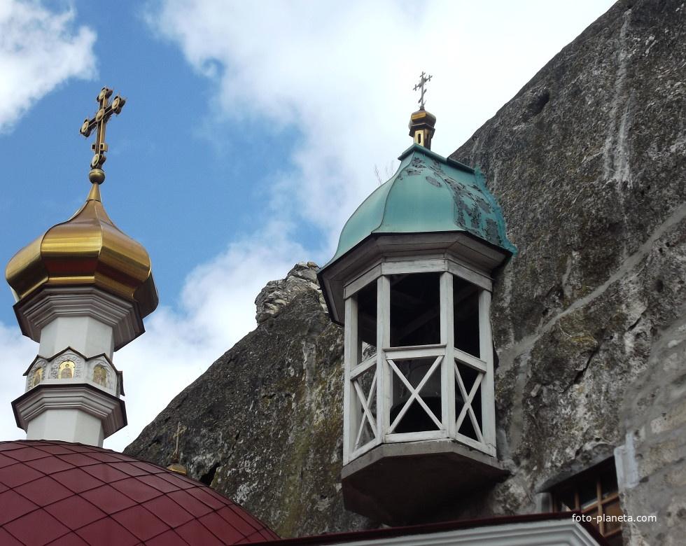 Инкерманский Свято-Климентовский пещерный монастырь  Храм Святой Троицы