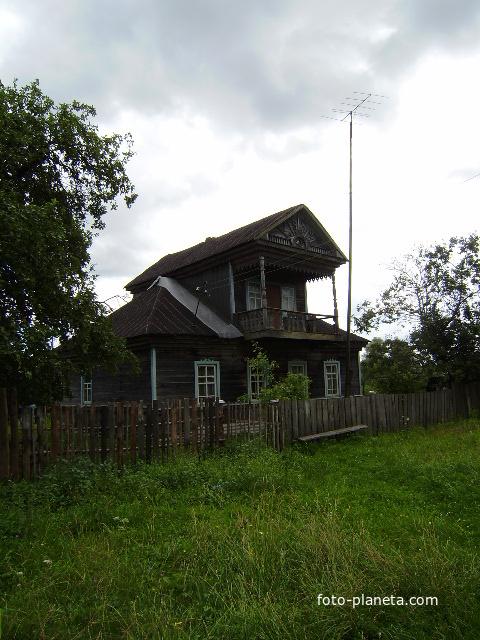 д.Высочерт.Дом Петрова Григория Петровича.Дом построен в 1958 году.