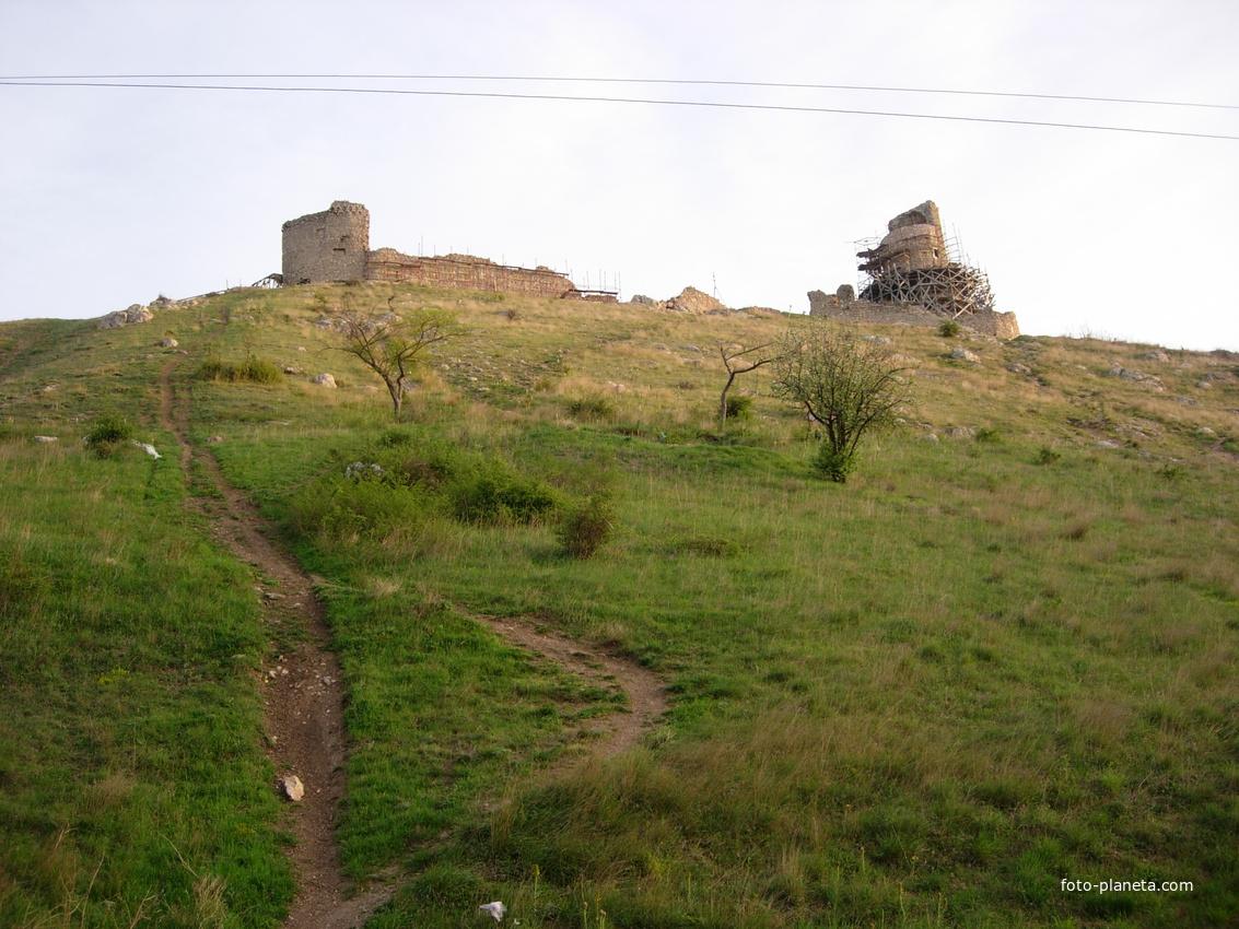 Балаклава.Дорожка к крепости Чембало.