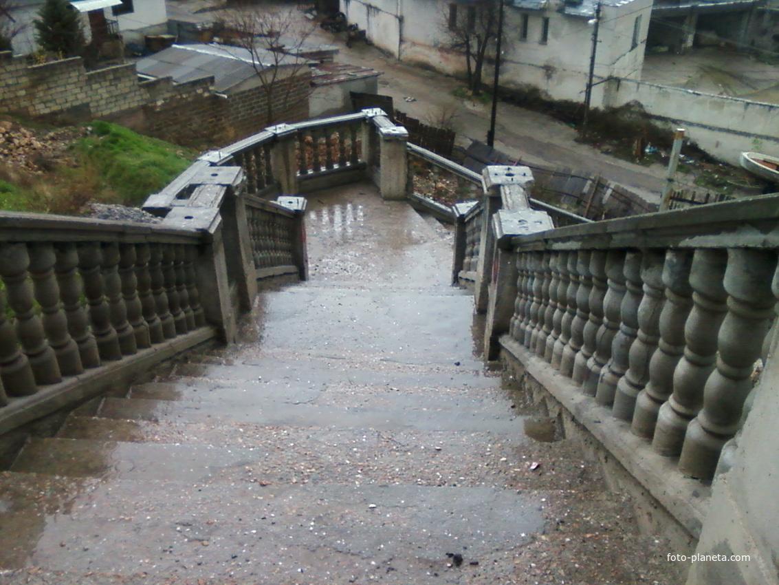 Балаклава.Лестница к набережной.