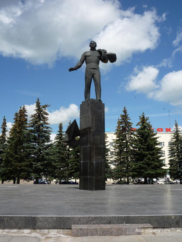 Памятник Юрию Гагарину | Гагаринский район