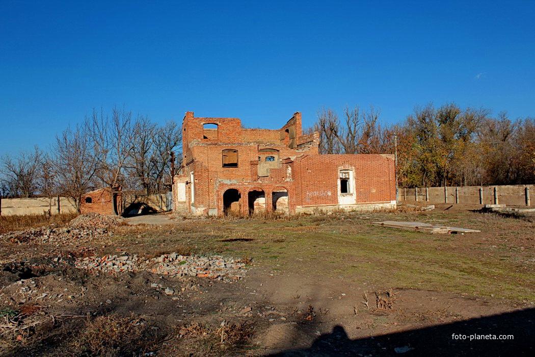 развалины старой мельницы
