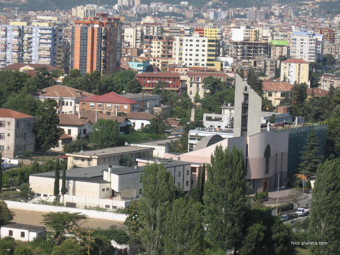 Тирана. Вид со смотровой площадки.