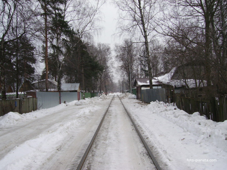 Подъездной путь на деревенской улице