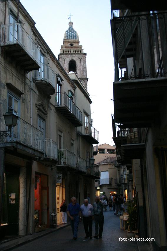 Via Umberto I, Castelbuono