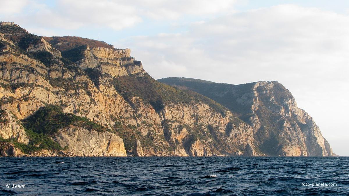 Мыс Айя вблизи, вид с катера