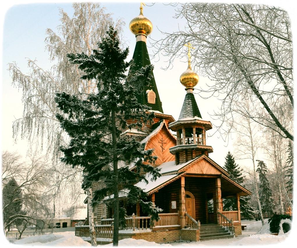 Новоомский. Храм зимой.