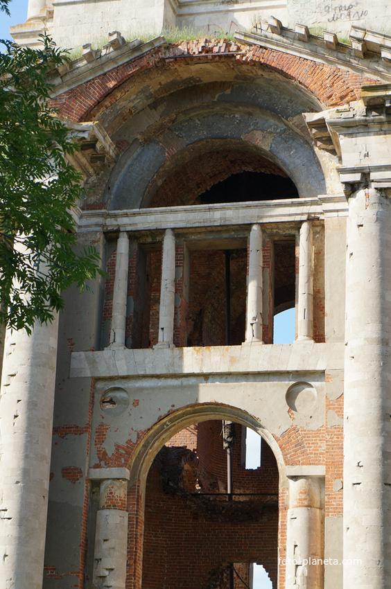 Фрагменты колокольни Николаевской церкви