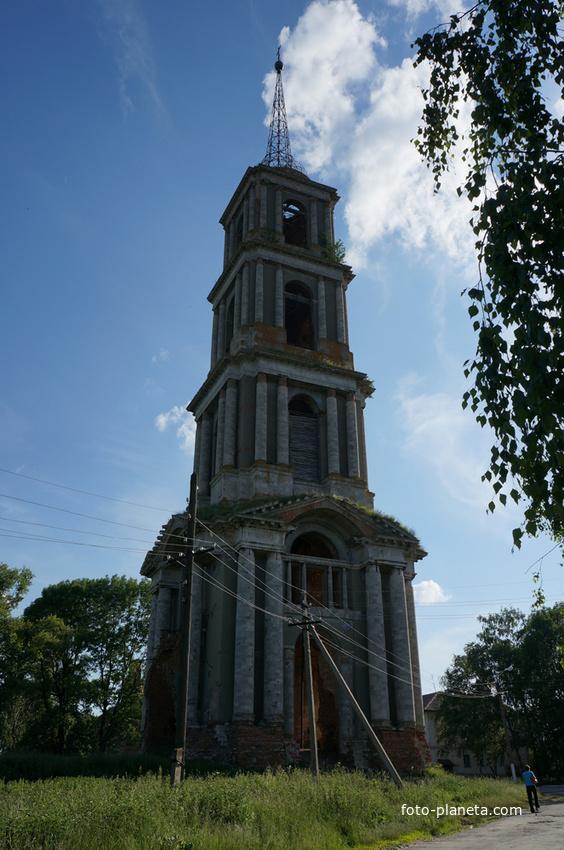 Колокольня разрушенного самого большого в Тульской области храма - Никольского