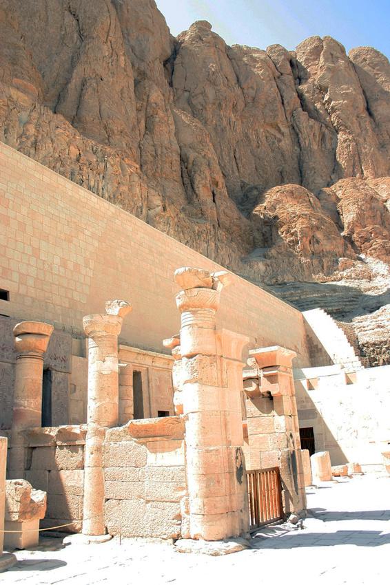 Вход в гробницу Амона в храме Хатшепсут