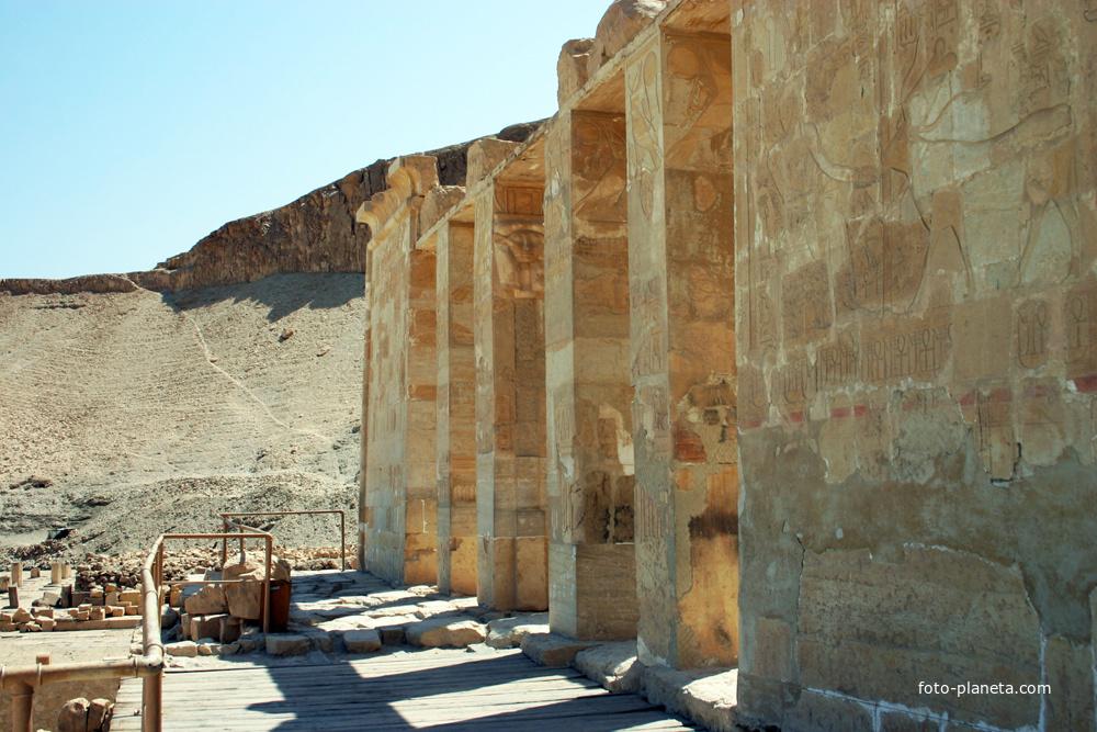 Храм Хатшепсут