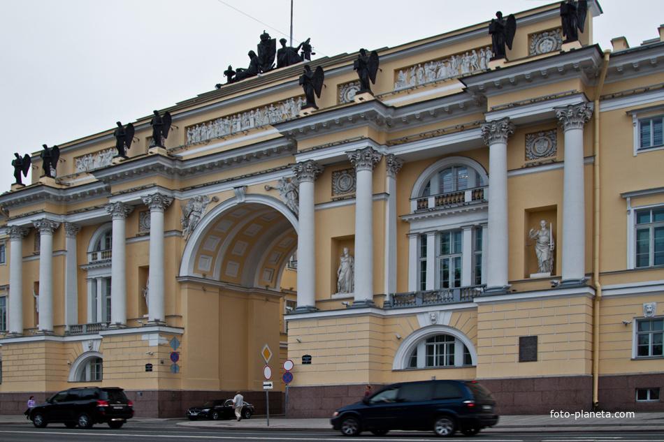 Здание Конституционного суда РФ Адмиралтейский (муниципальный округ) Фото Планета.