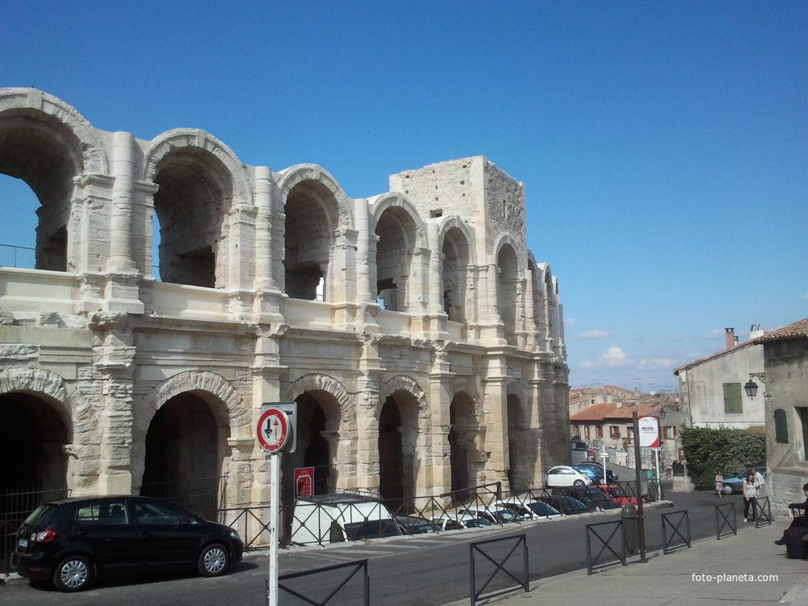 Arles. Le arène romaine