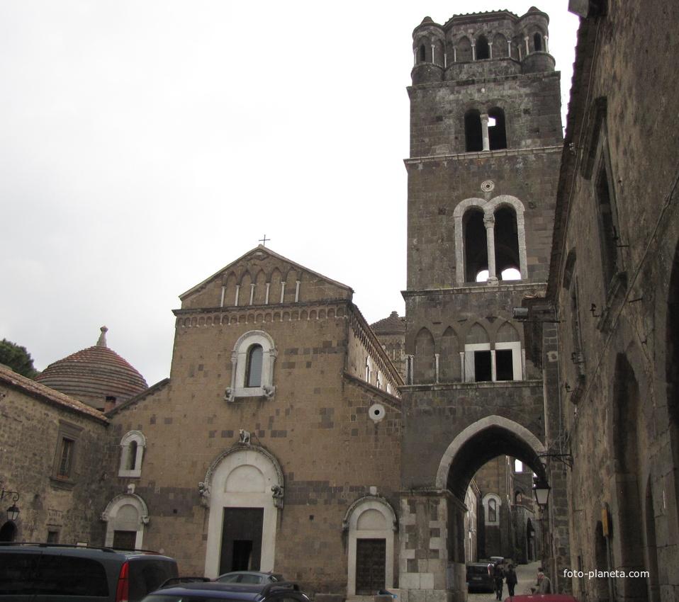 Caserta vecchia. Campanile e Duomo di San Michele Arcangelo