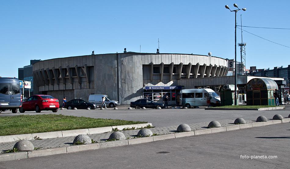 """Станция метро """"Проспект Большевиков"""""""