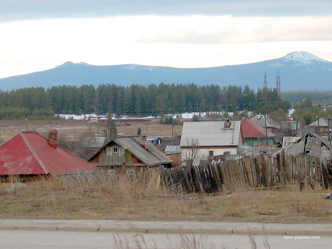 Североуральск. Вид на Кумбу. 2006 г
