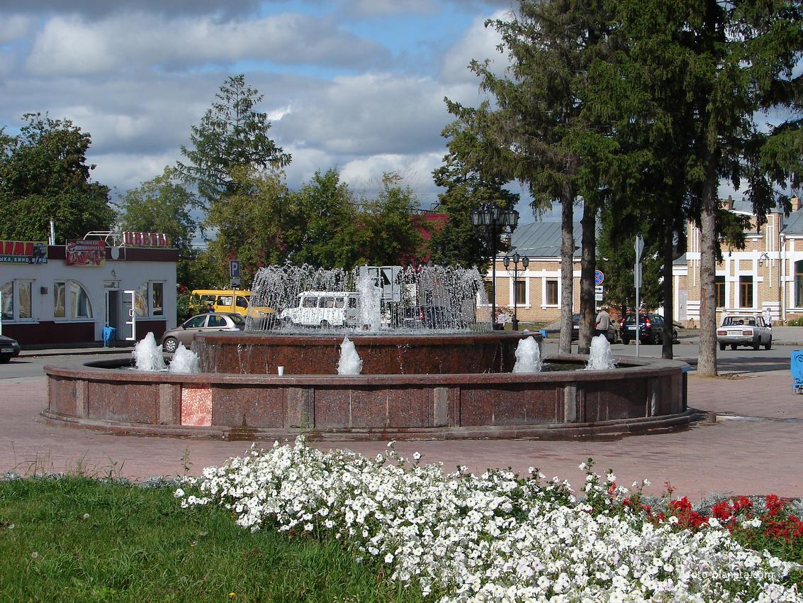 Ишим. У вокзала. 2011 г