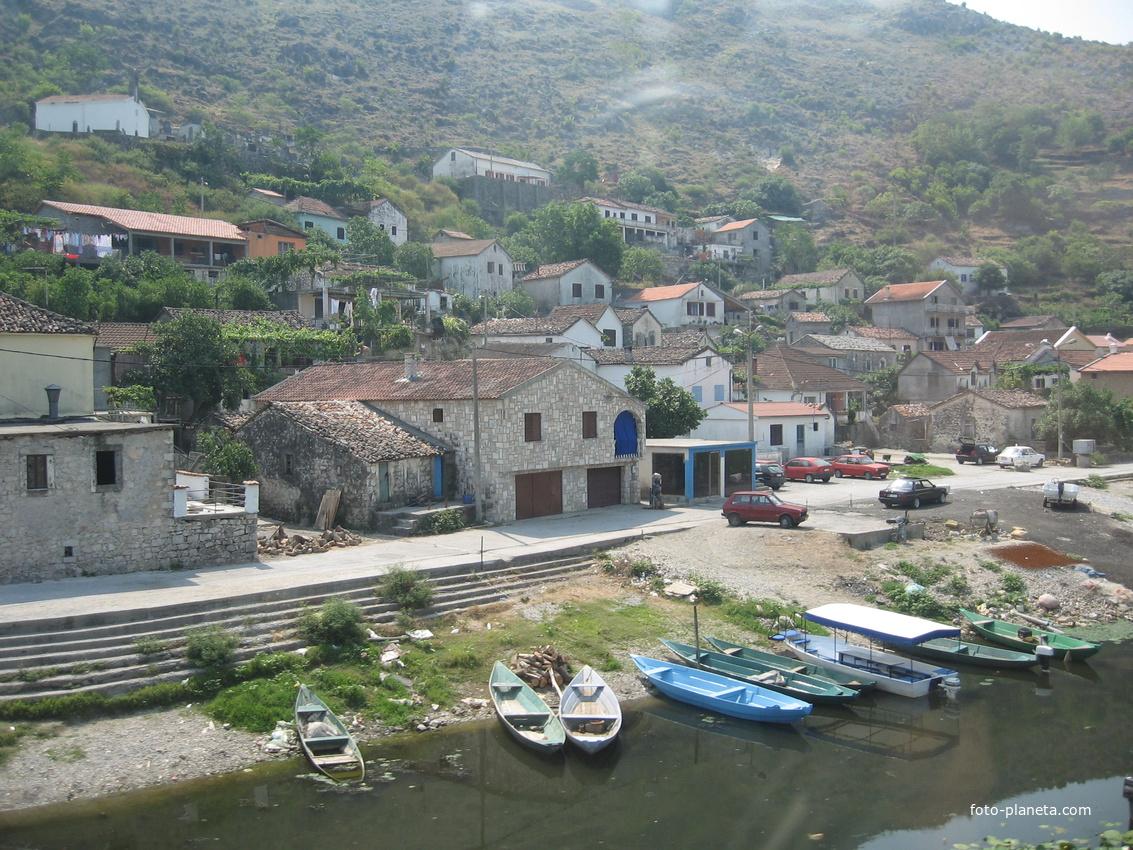 Шкодер, скоро граница с Черногорией