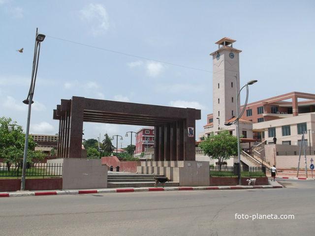 памятник погибшим солдатам за независимость