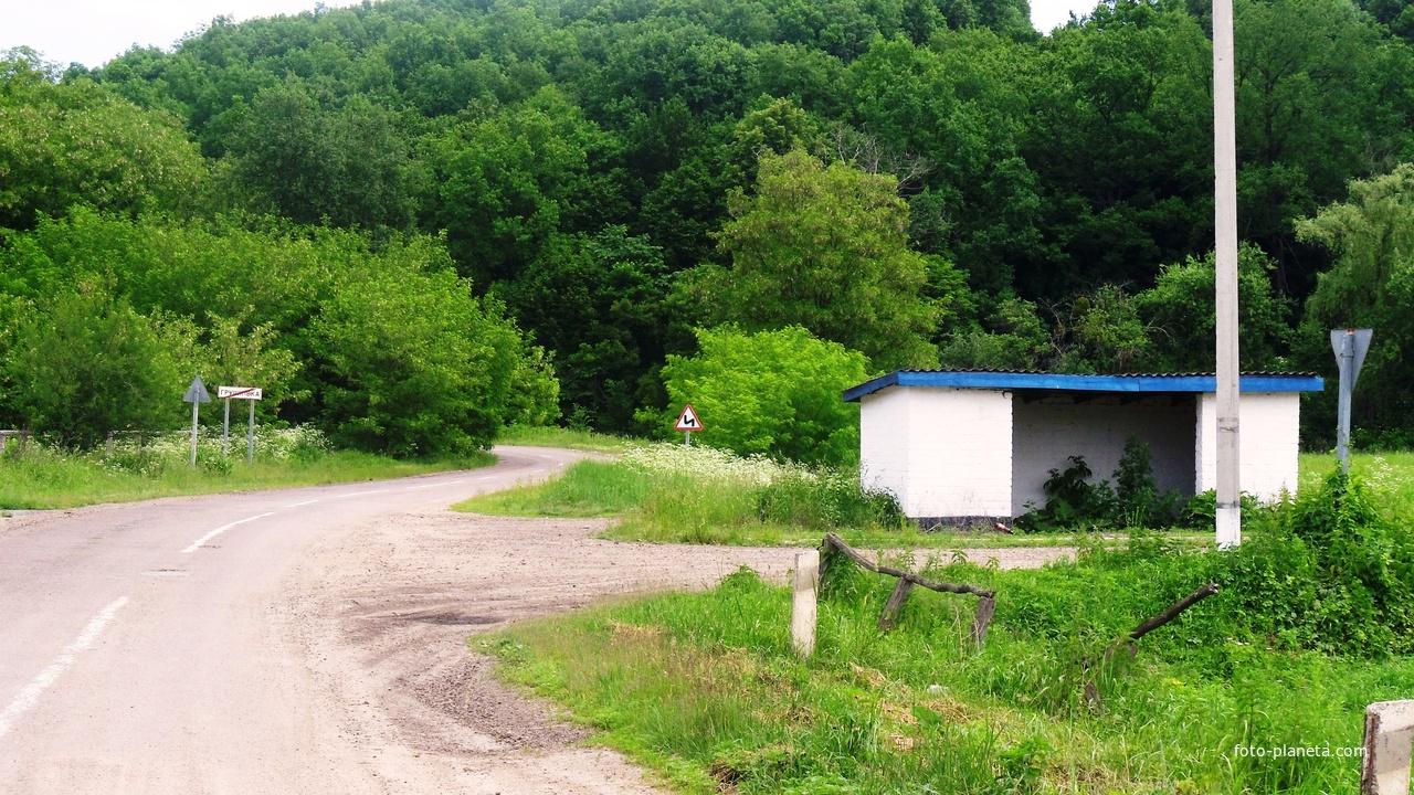 Грушківка,поворот до колишнього піонерського табору