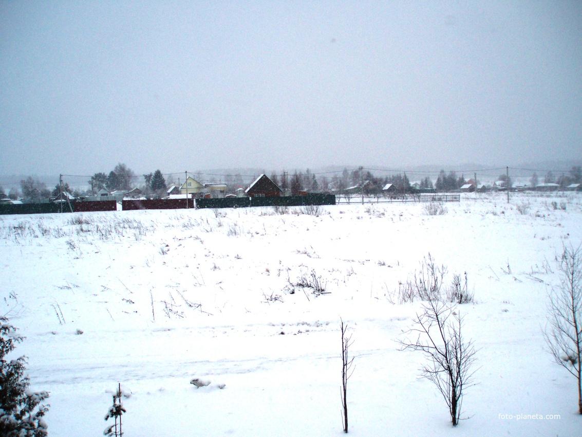 А на другой день- всё под снегом!