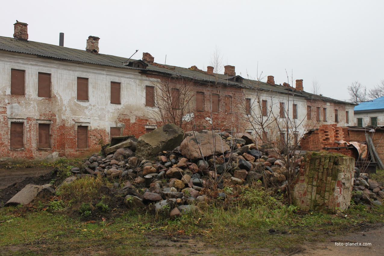 Ростов. Рождественский женский монастырь ждет восстановления.