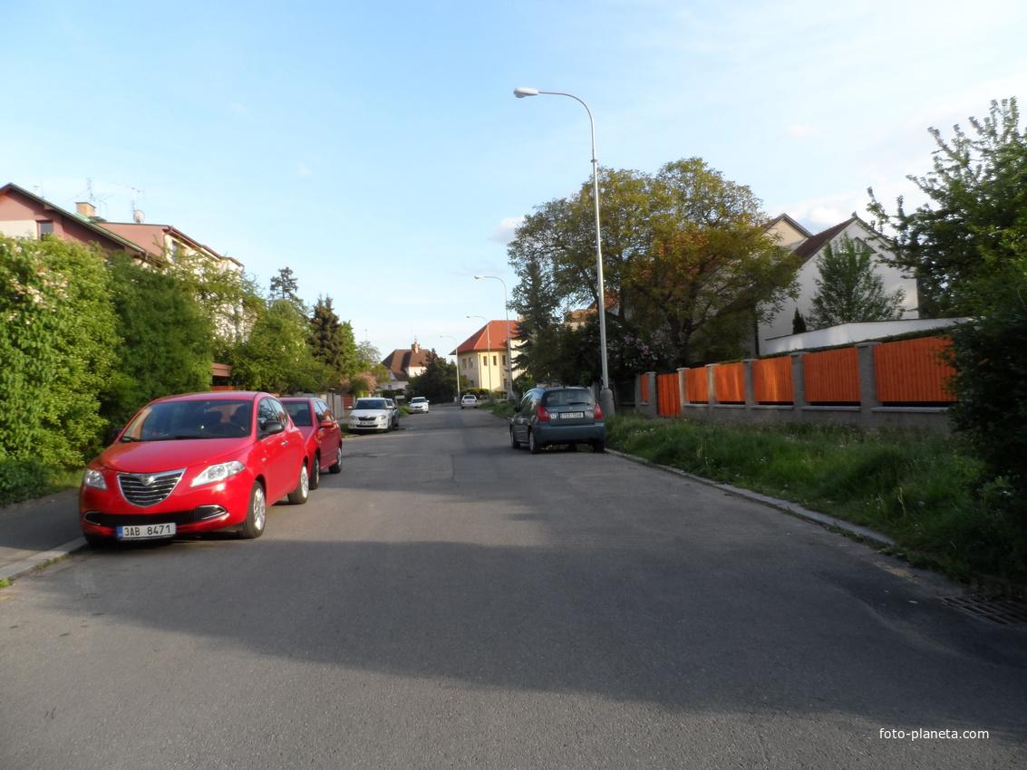 Улица на окраине