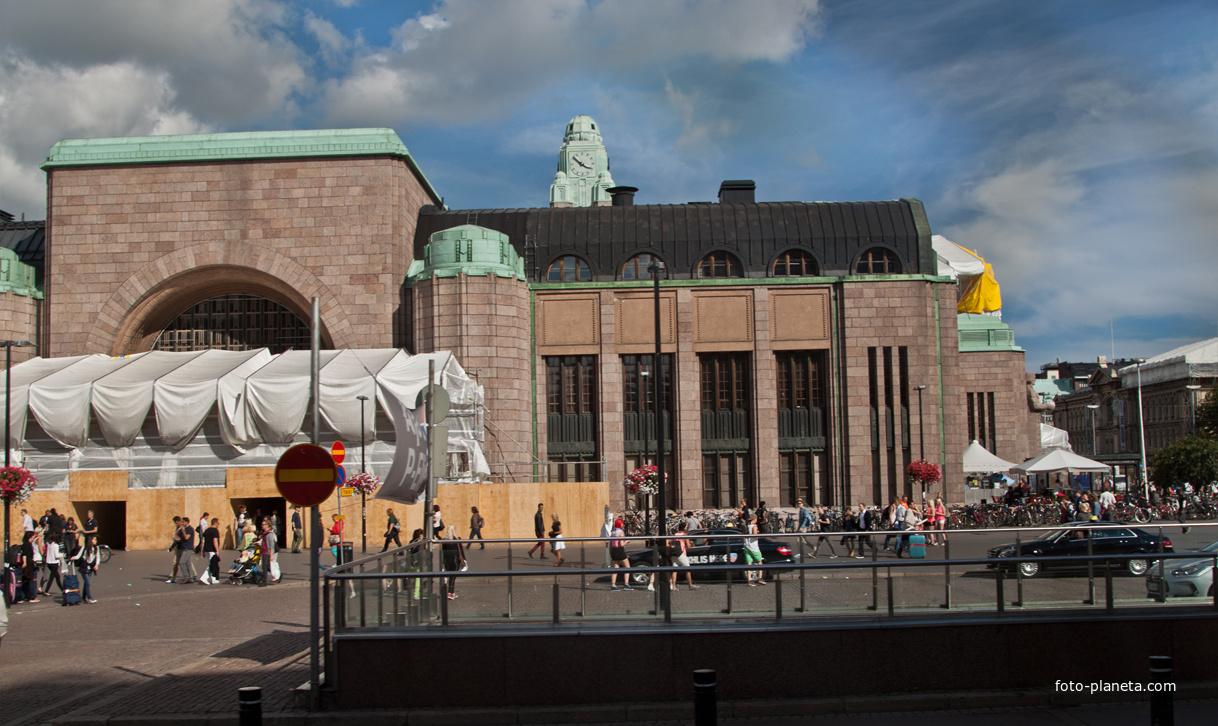 Здание Центрального жд вокзала