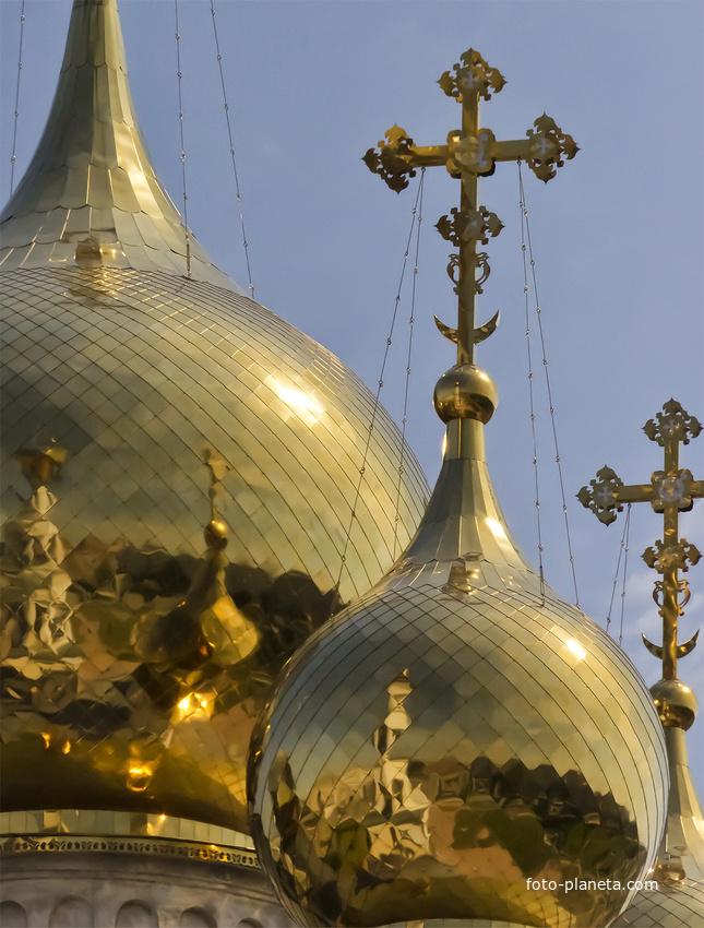 Купола Спасо-Преображенского Кафедрального Собора в г. Абакан