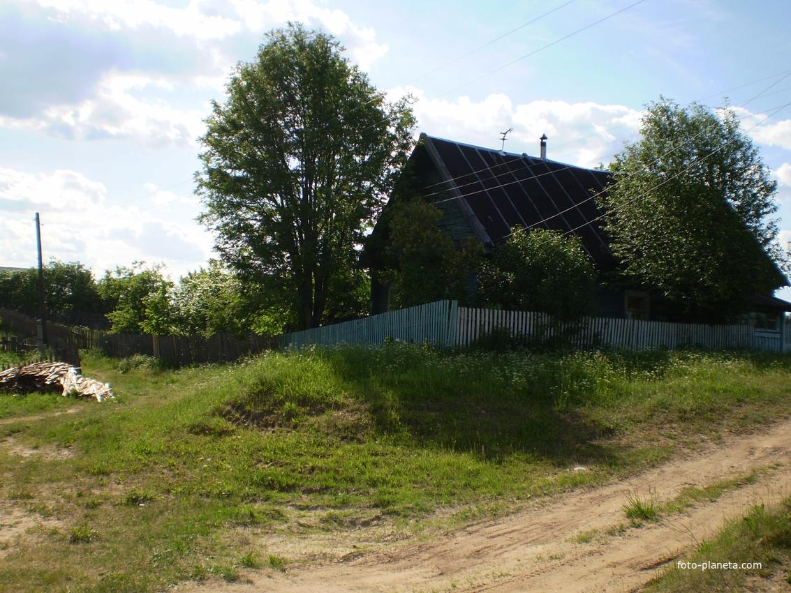 Дом на пригорке