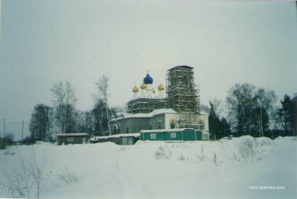 Спасо-Преображенский храм в д. Андреевские Выселки в процессе восстановления