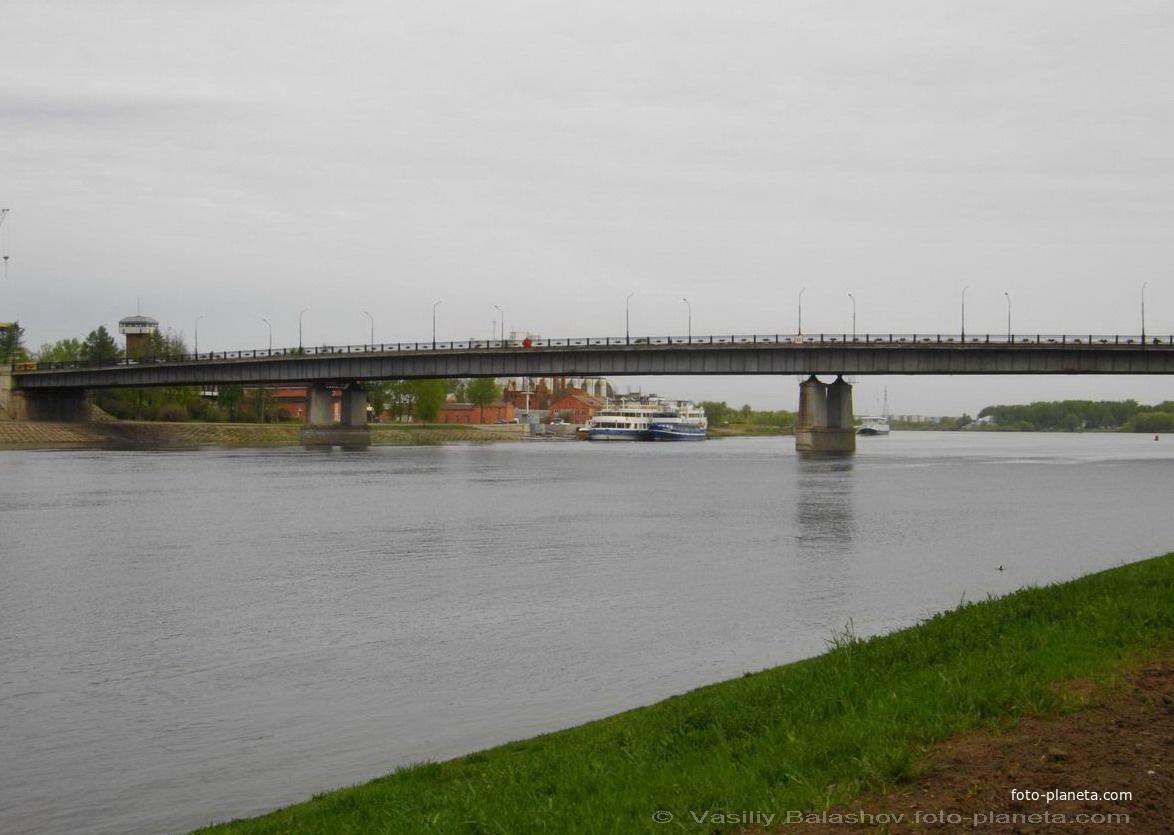 Новгород. Мост через р. Волхов