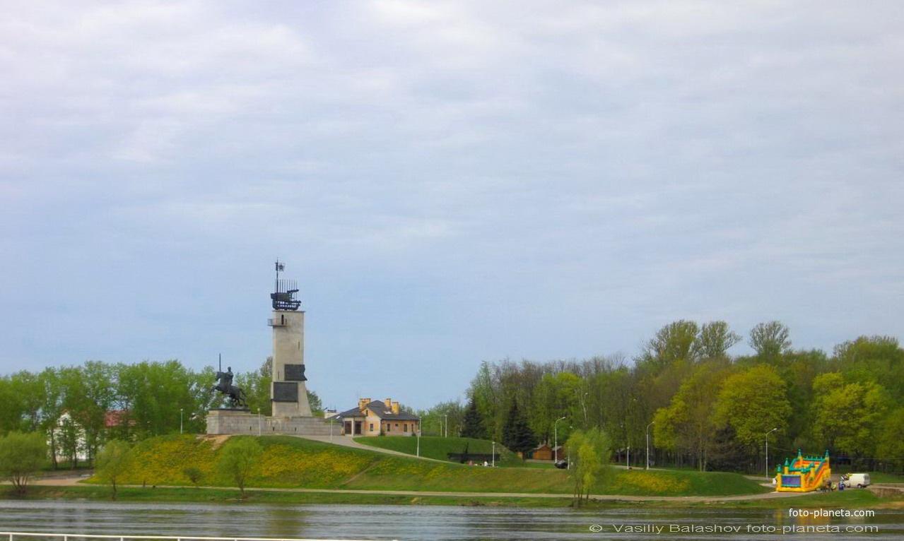 Новгород. Монумент победы