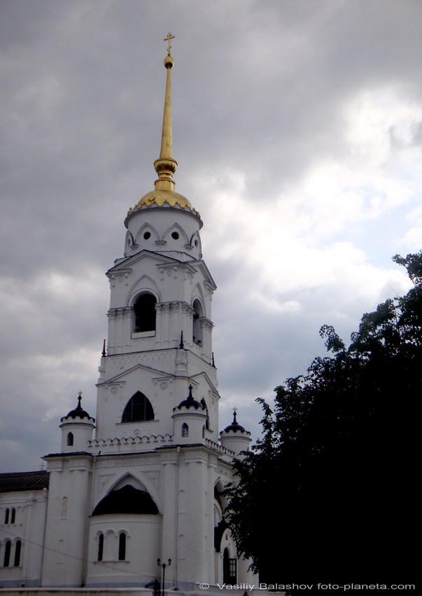 Владимир. Колокольня Успенского собора