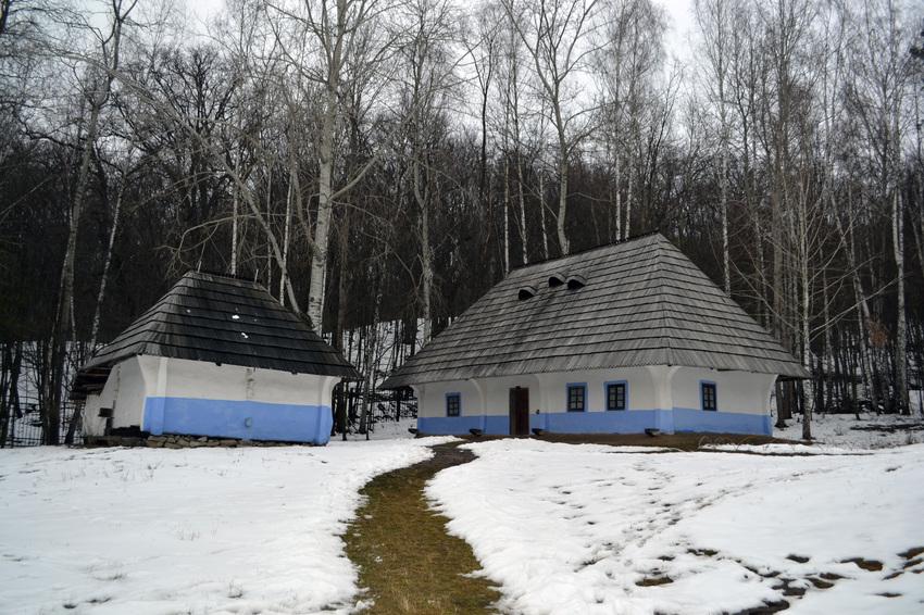 Закарпатская хата в Пирогове.