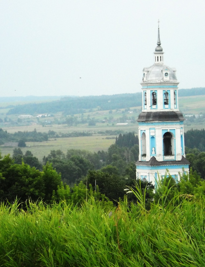 Церковь, вид с горы
