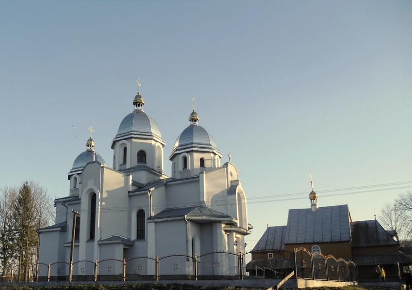 Церква святого Іллі в селі Зашковичі Городоцького району (муровавна).