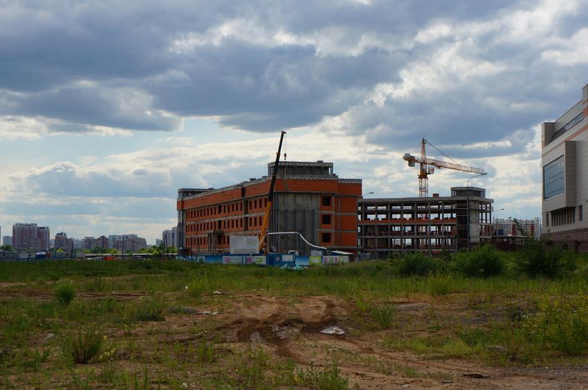 Строящаяся школа-интернат МГУ