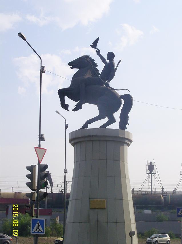 """Статуя лучника (""""Юность Бурятии"""") в Улан-Удэ. Скульптор - А. Миронов"""