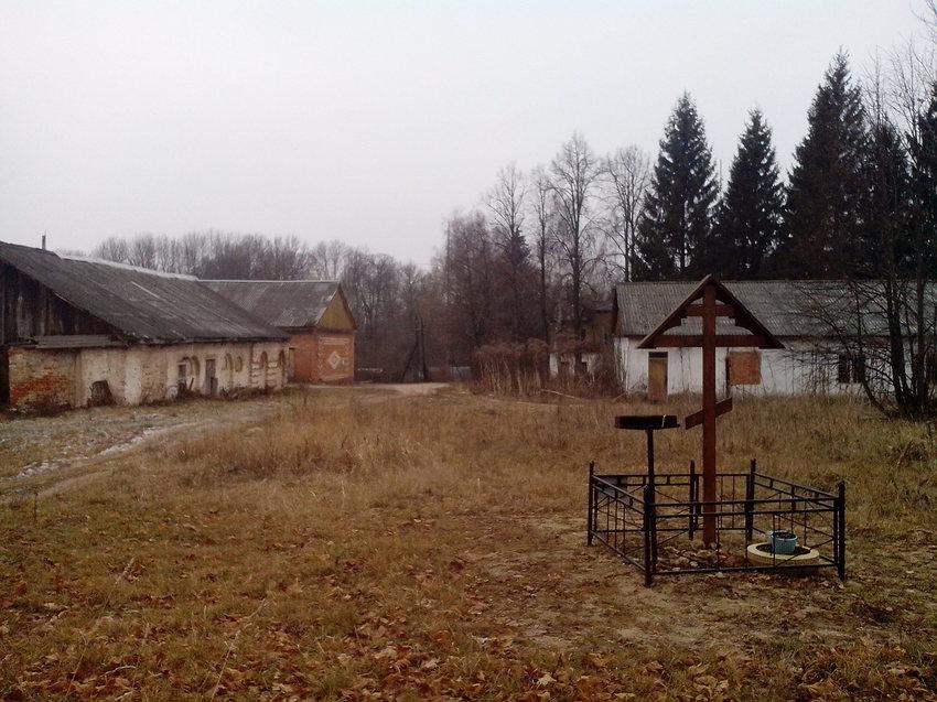 Крест во славу процветания села.