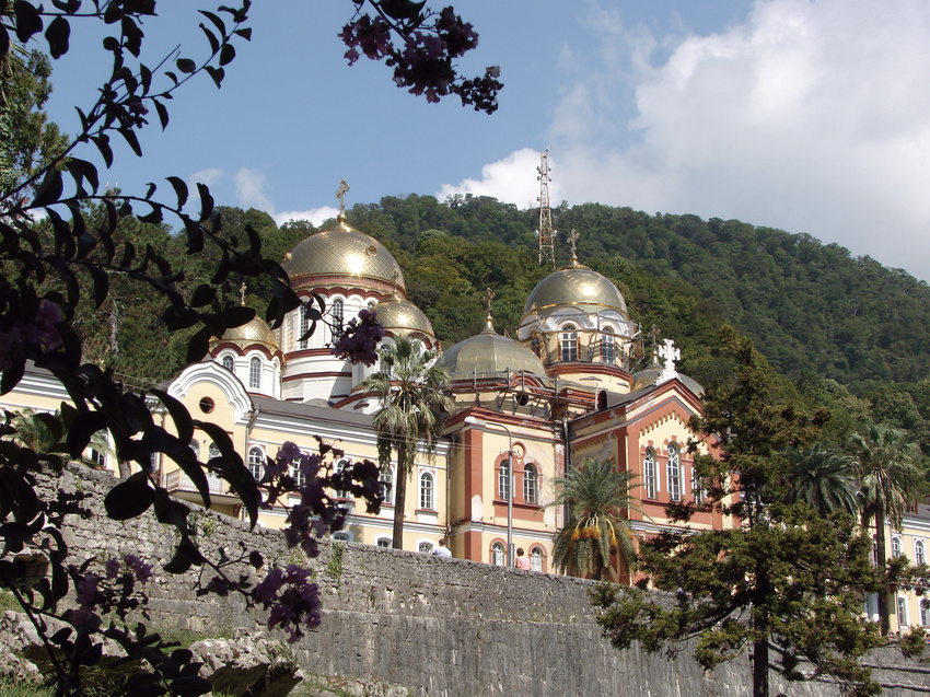 Новый Афон (Гудоутский район). Монастырь Святого Апостола Симона Кананита.  9 сентября 2010 года