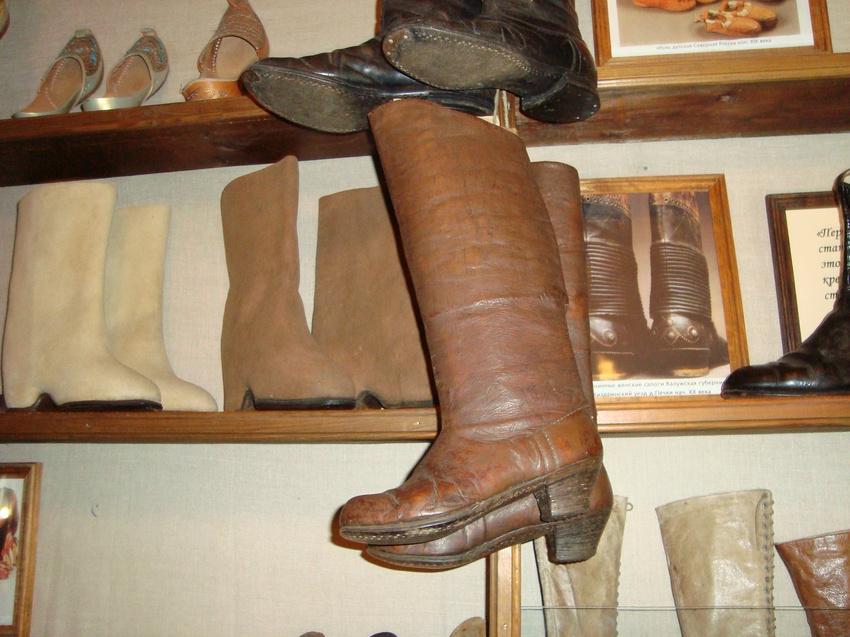Музей обуви в Мышкине.
