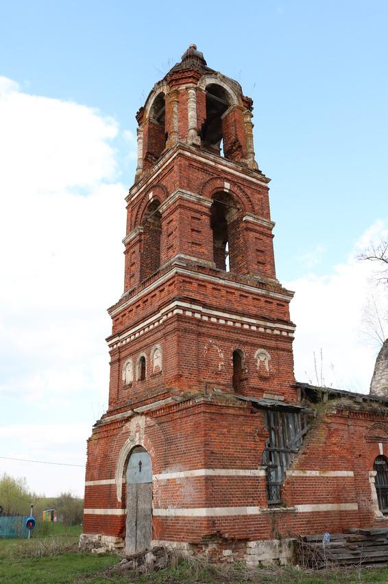 Колокольня Покровской церкви в Авдулово