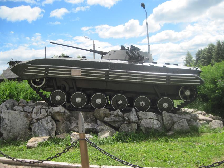 Монумент,погибшим в локальных войнах
