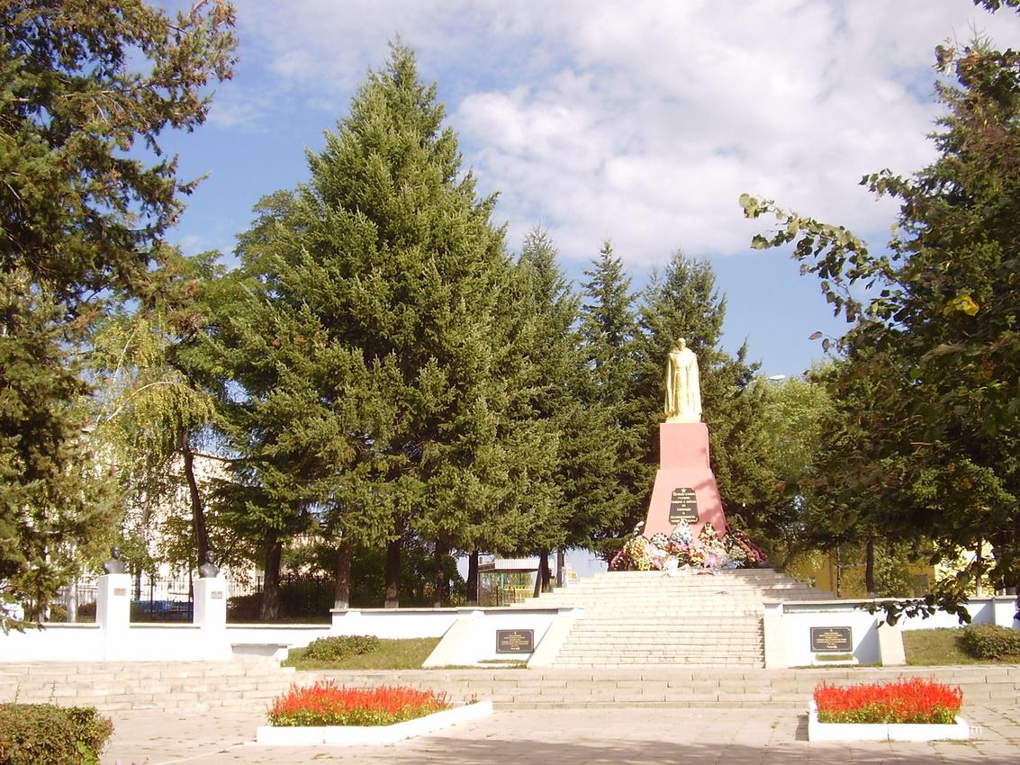 Россошь. Памятник воинам