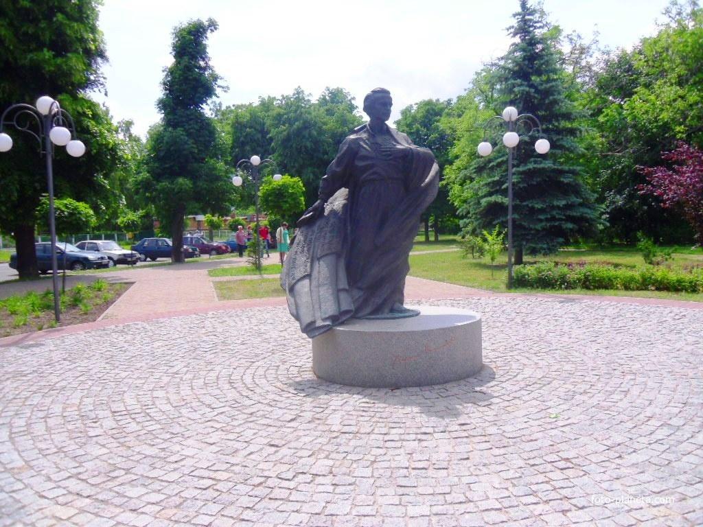 Памятник Василию Симоненко.