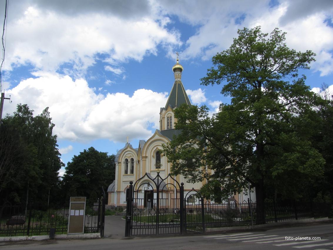 Любань. Церковь Петра и Павла
