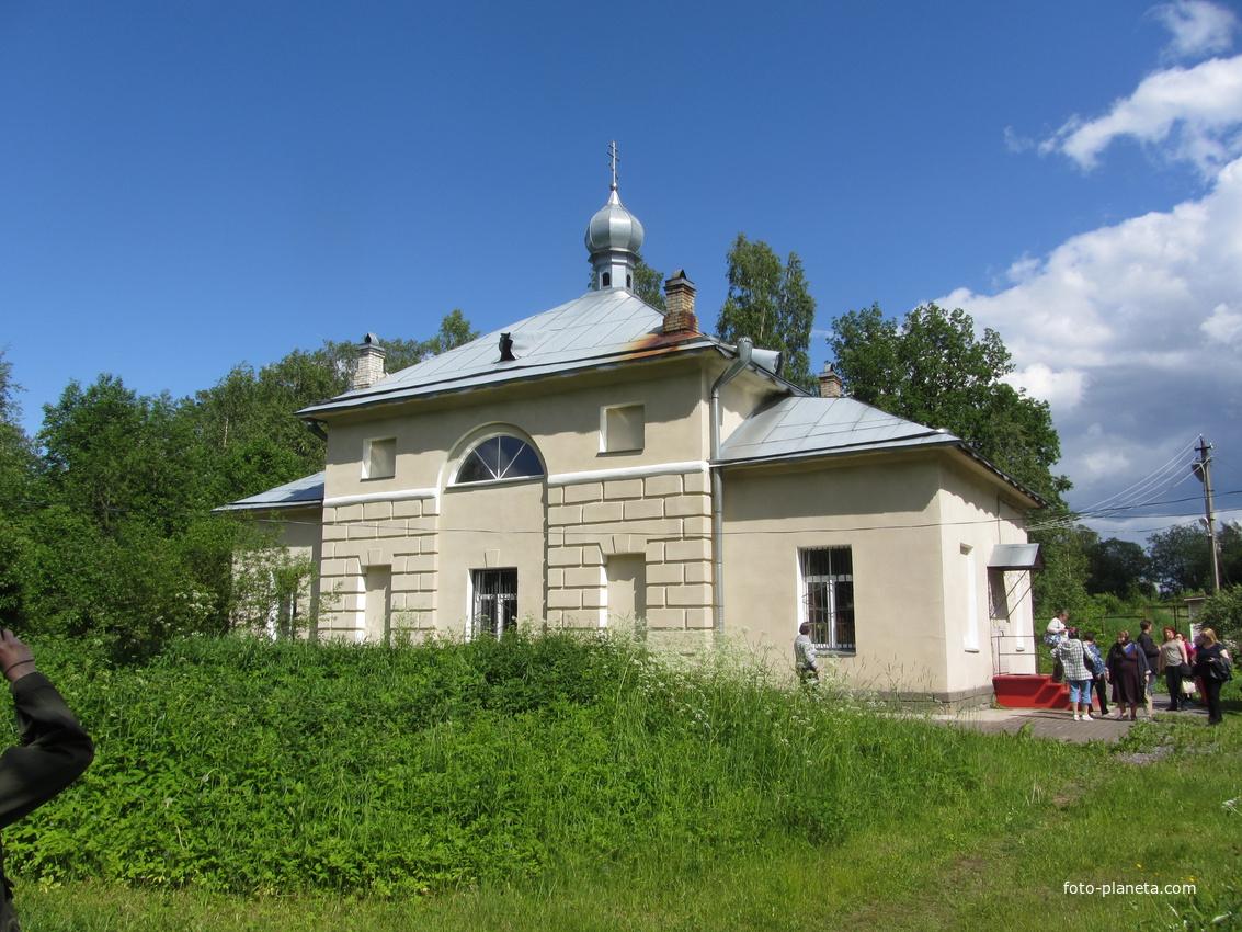 Шапки. Церковь Покрова Пресвятой Богородицы