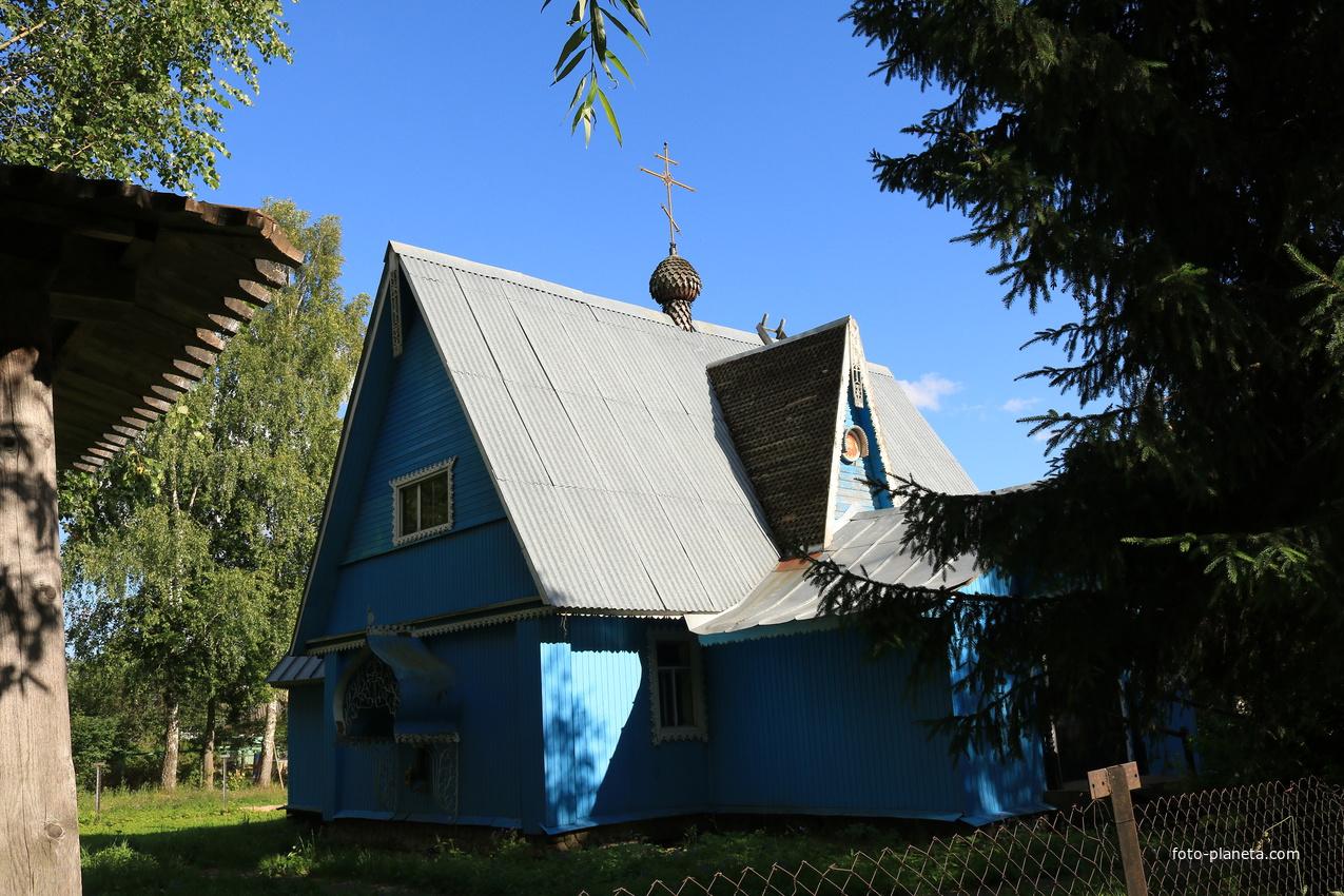 Церковь Воздвижения Честного Креста Господня в Мелихово